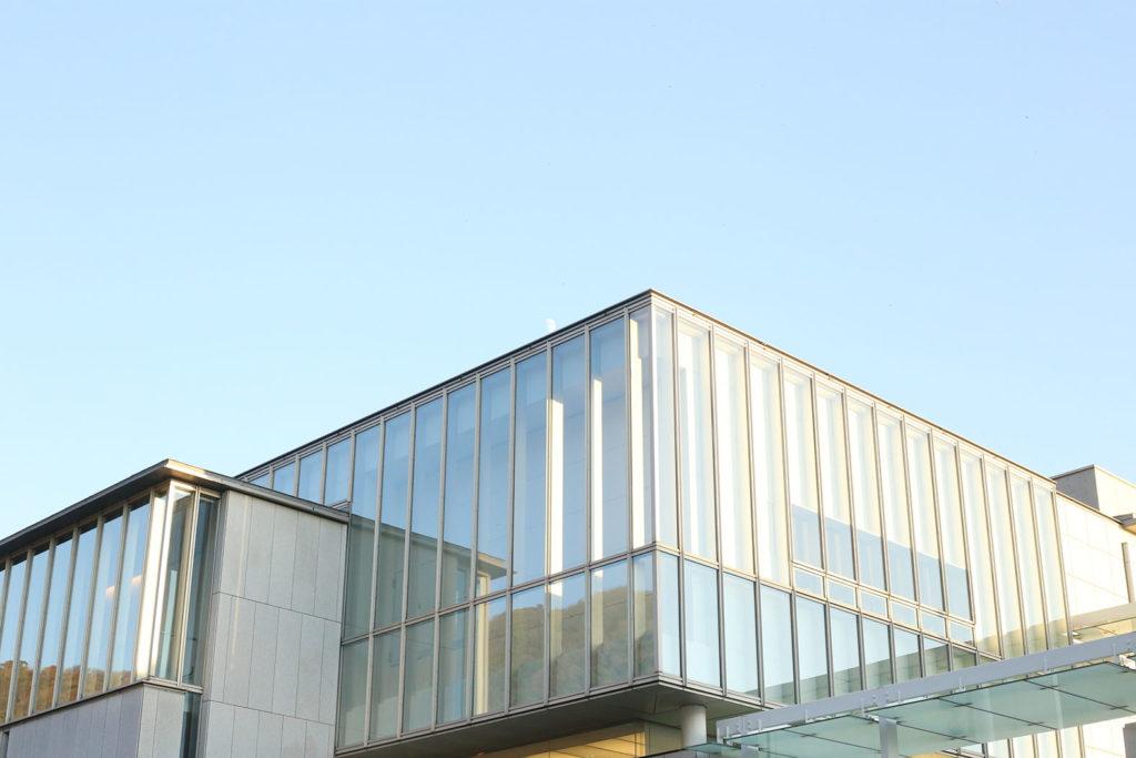 LifTe 北欧の暮らし アルヴァ・アアルト展 神奈川県立近代美術館 外観