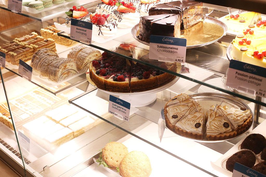 LifTe 北欧の暮らし フィンランド ヘルシンキ エクベリ ekberg ショーケース ケーキ