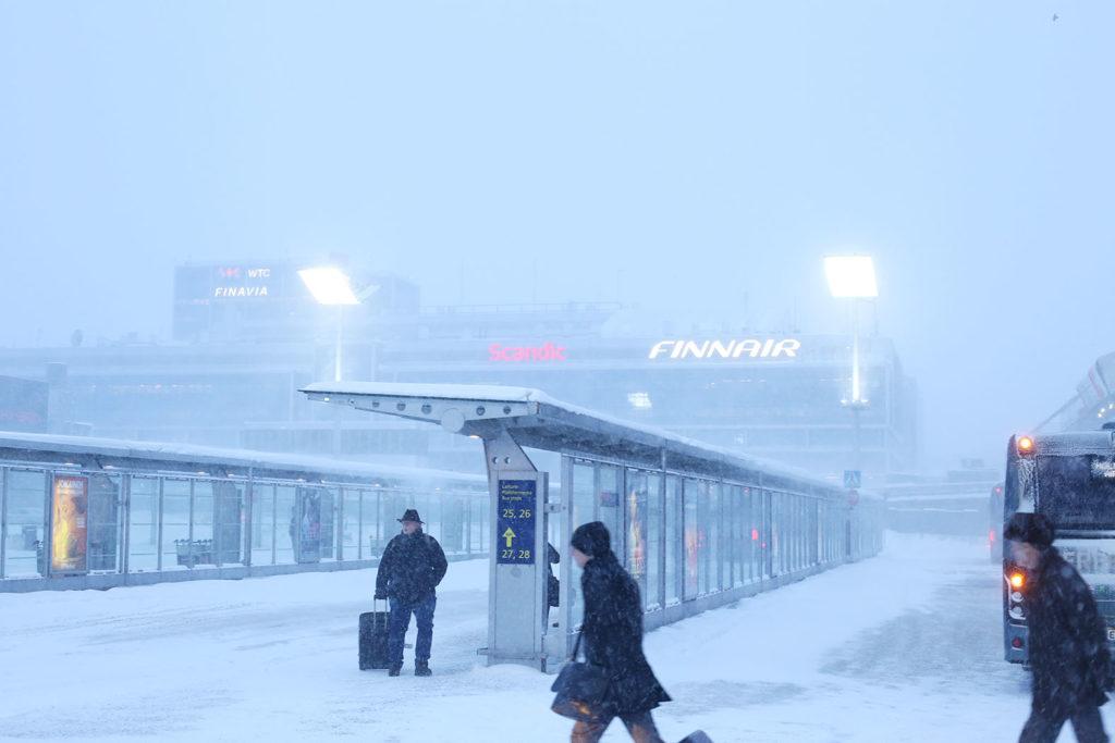 LifTe 北欧の暮らし 北欧旅日記 フィンランド フィンエアー ヴァンター空港 雪