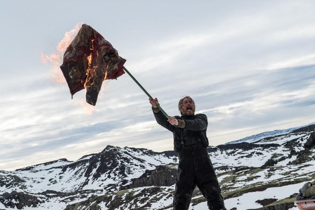 LifTe 北欧の暮らし アイスランド 映画 残された者 マッツ・ミケルセン 助けを求める