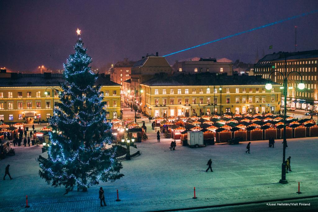 LifTe 北欧の暮らし クリスマス 大聖堂 元老院広場