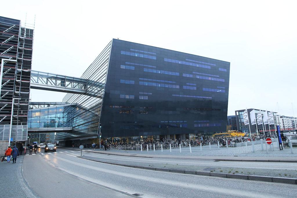 LifTe 北欧の暮らし 北欧旅日記 北欧現地レポート2日目 デンマーク コペンハーゲン デンマーク王立図書館 ブラックダイヤモンド