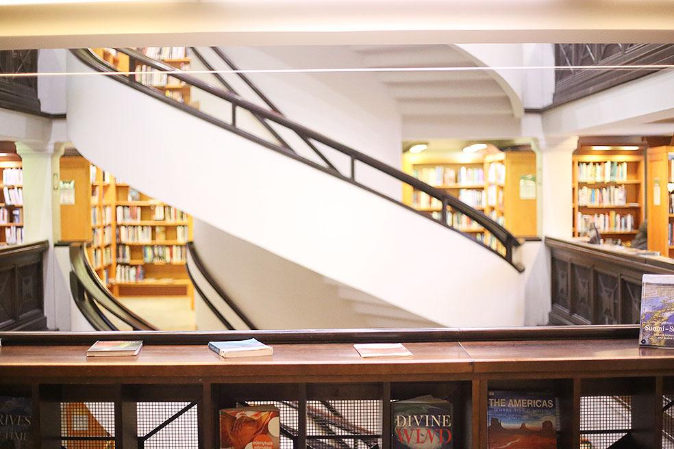 LifTe 北欧の暮らし 北欧図書館まとめ ヘルシンキ リクハルディンカトゥ図書館 螺旋階段