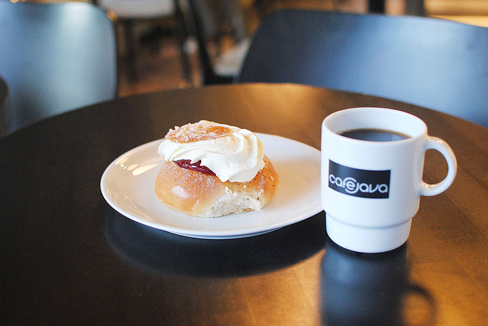 LifTe 北欧の暮らし 現地レポート 5日目 旅日記 ヘルシンキ cafe java セムラ ラスキアイスプッラ