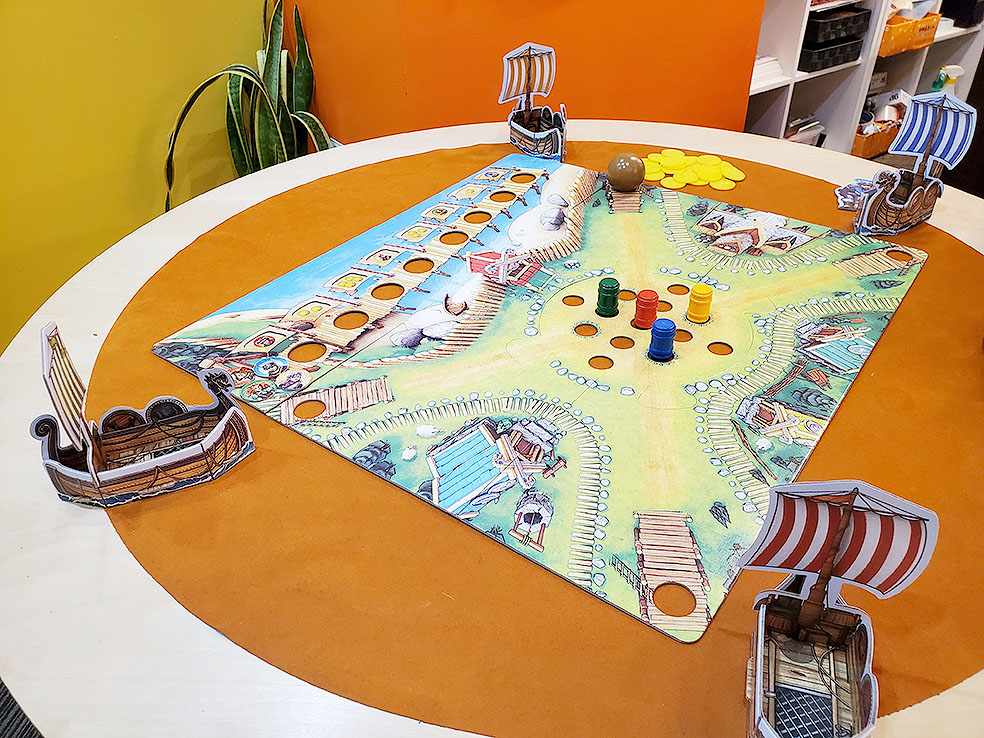 LifTe 北欧の暮らし北欧ボードゲーム すごろくや バイキングの谷 準備