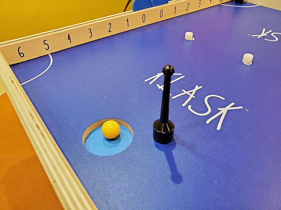 LifTe 北欧の暮らし北欧ボードゲーム すごろくや デンマーク クラスク KLASK ゴール