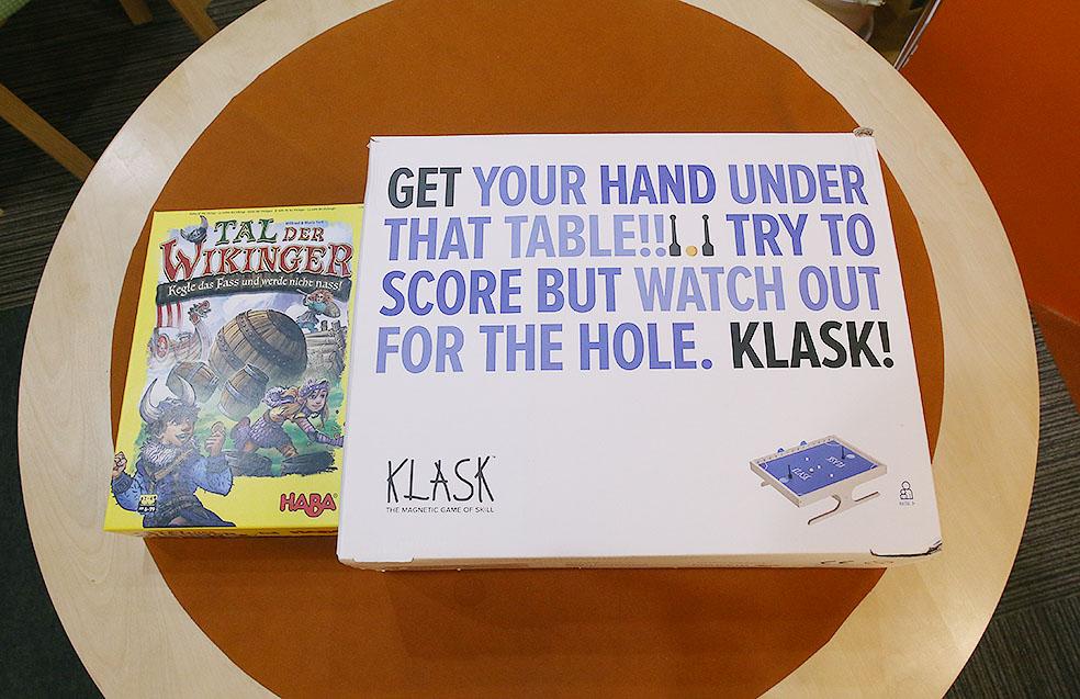 LifTe 北欧の暮らし北欧ボードゲーム すごろくや デンマーク クラスク KLASK バイキングの谷
