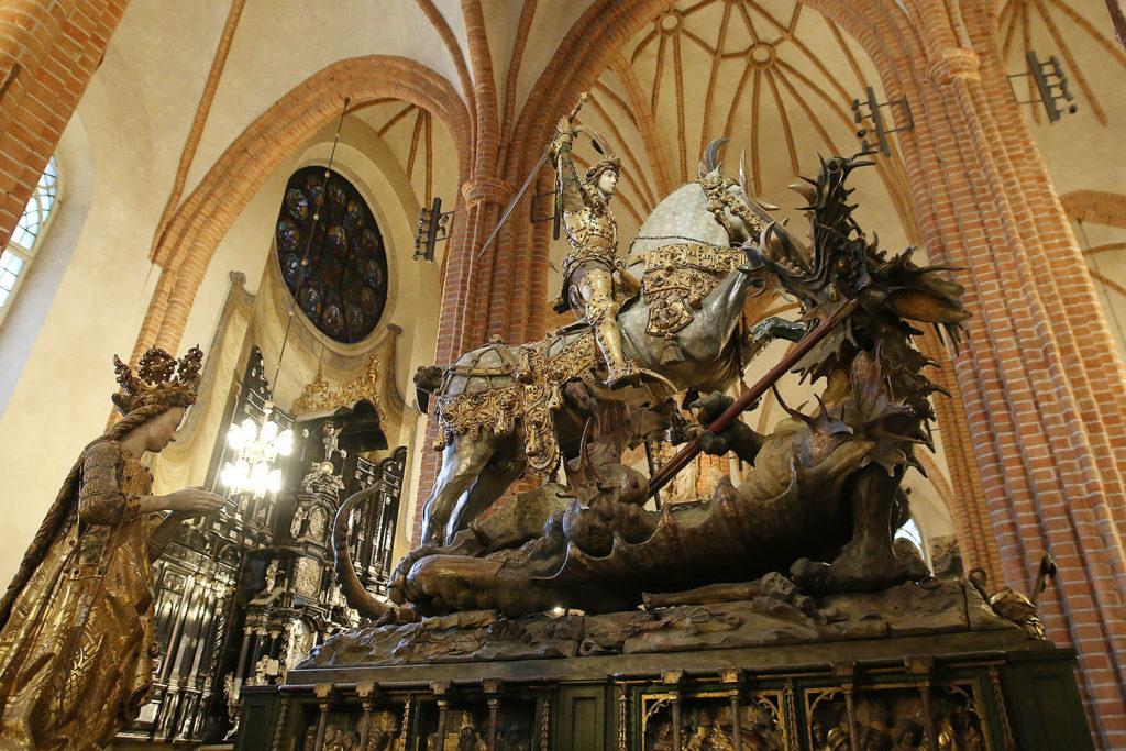 ストックホルム大聖堂 LifTe 北欧の暮らし スウェーデン ストックホルム ストックホルム大聖堂 ガムラスタン 聖ジョージとドラゴン