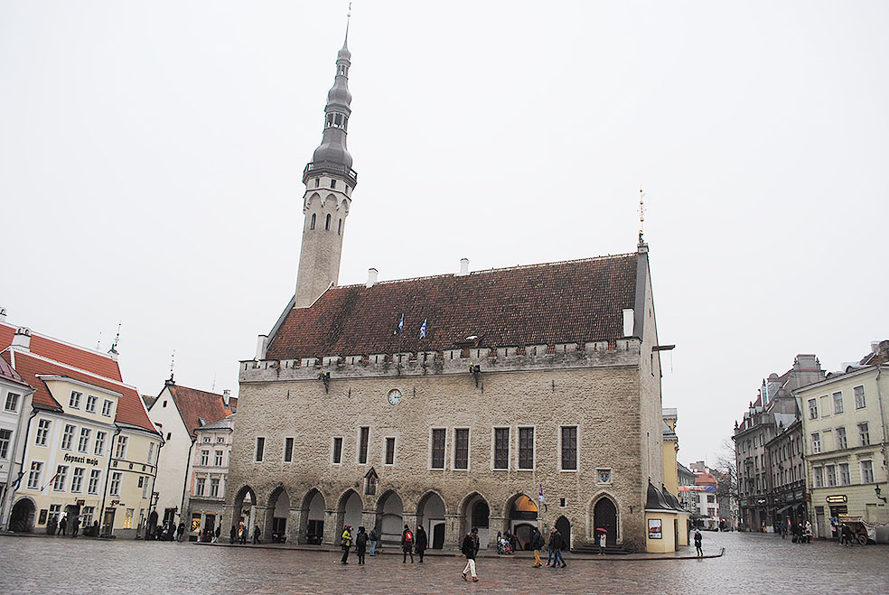 Lifte 北欧の暮らし エストニア タリン 旧市街 世界遺産 ラエコヤ広場 市庁舎