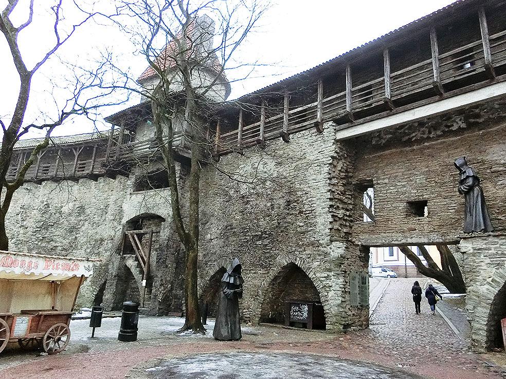 Lifte 北欧の暮らし エストニア タリン 旧市街 世界遺産 城壁