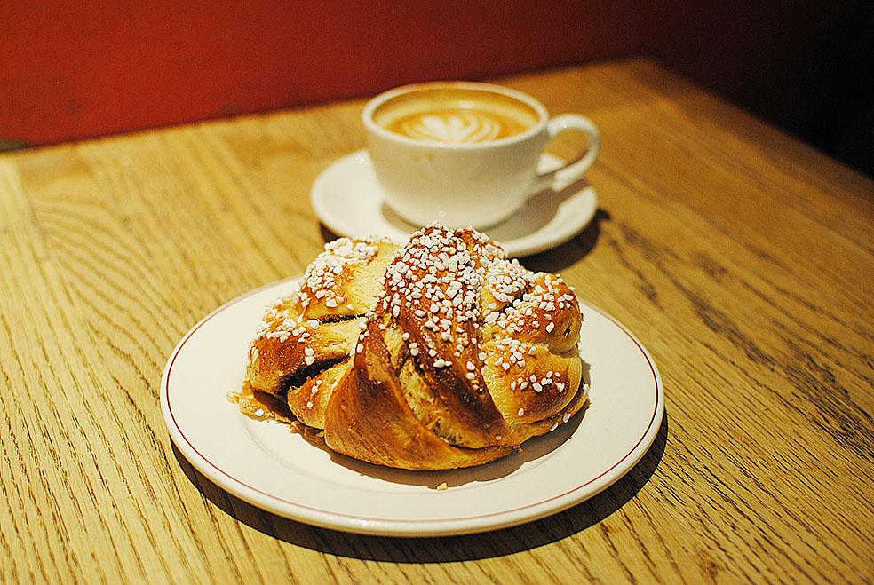 LifTe 北欧の暮らし Cafe Saturnus カフェサターヌス 北欧現地レポート 11日目 シナモンロール