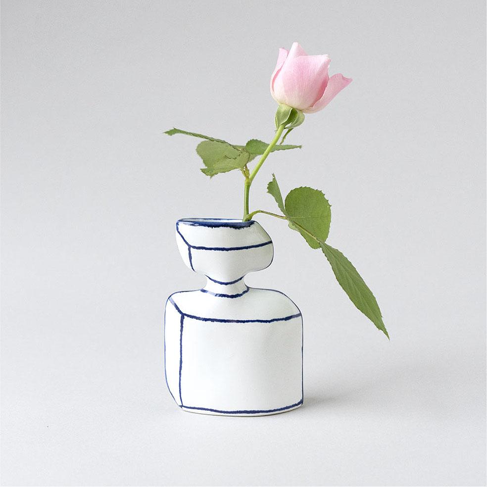 LifTe 北欧の暮らし スウェーデン マリアンヌ・ハルバーグ 陶芸 瀬戸焼 香水瓶のかびん