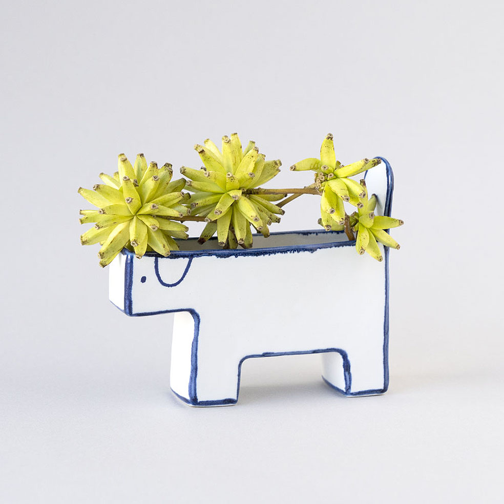 LifTe 北欧の暮らし スウェーデン マリアンヌ・ハルバーグ 陶芸 瀬戸焼 犬の花瓶