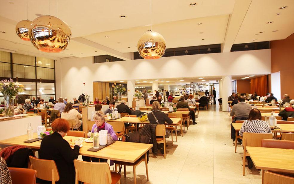 LifTe 北欧の暮らし フィンランド ヘルシンキ 市庁舎 レストラン Kaupungintalon Ravintola