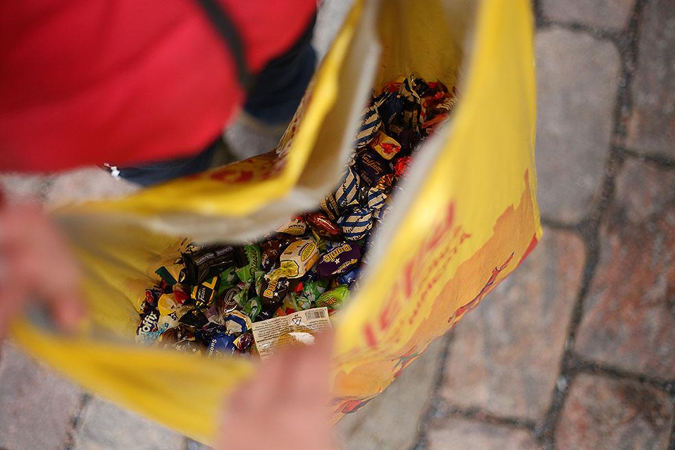 LifTe 北欧の暮らし フィンランド ヘルシンキ 伝統行事 Penkkarit ペンッカリット 仮装 飴 高校3年生