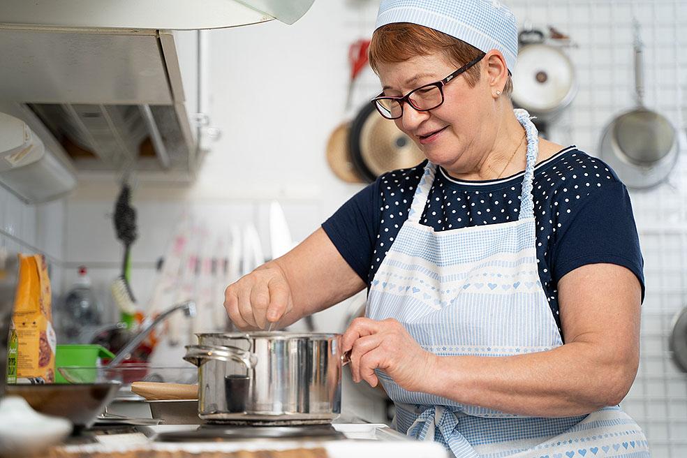 LifTe北欧の暮らし オンライン料理教室 北欧キッチン サーモンスープ フィンランド じゃがいもパン オフィスウタノ jukkaisokoski ソウルフード アルヤユルクネン かもめ食堂 カフェスオミ