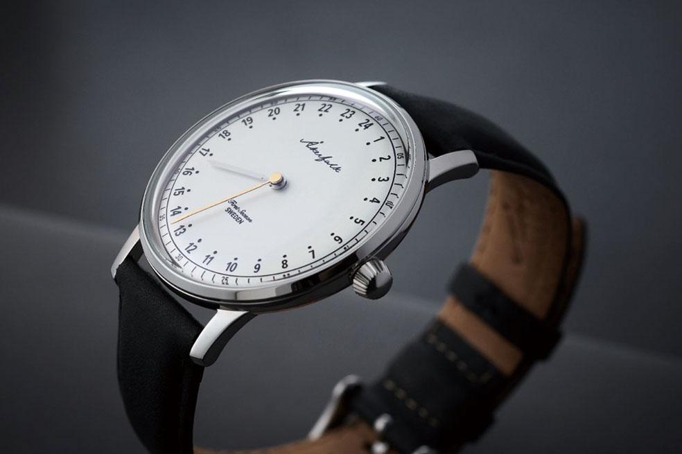 LifTe 北欧の暮らし スウェーデン 24時間腕時計 オーカーフォーク