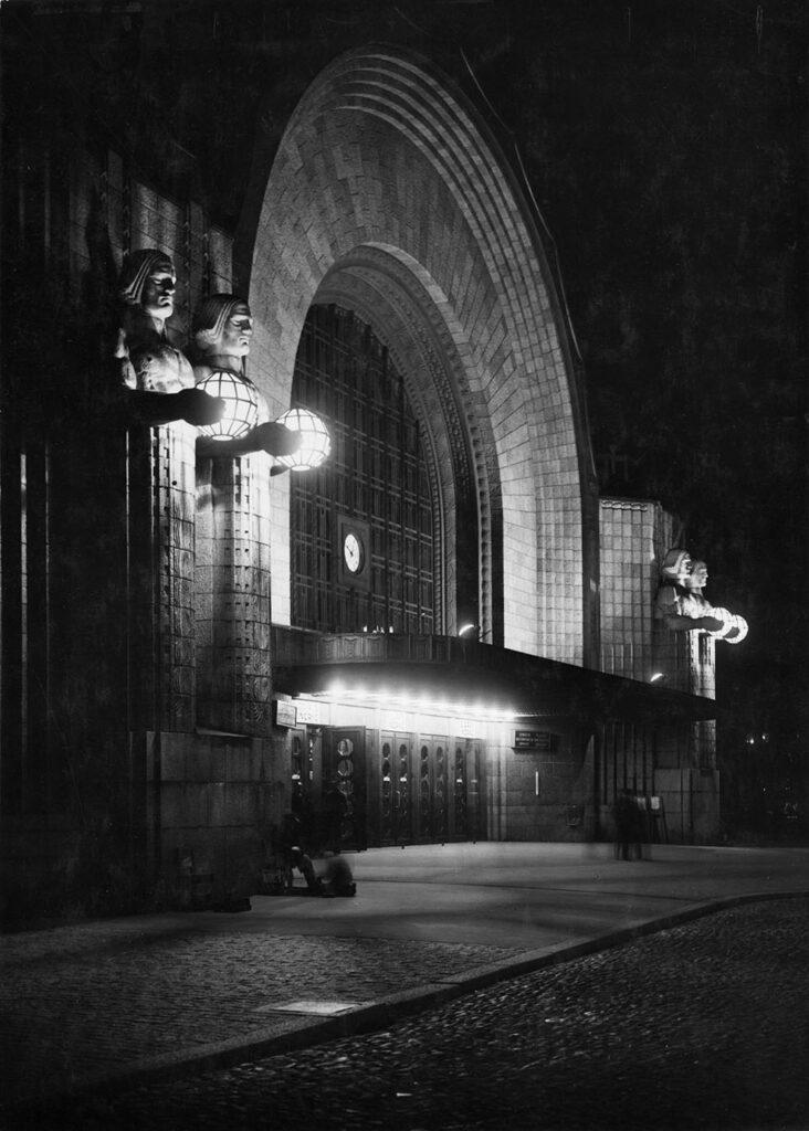 LifTe 北欧の暮らし フィンランド サーリネンとフィンランドの美しい建築展 パナソニック汐留美術展 ヘルシンキ中央駅 エリエル・サーリネン