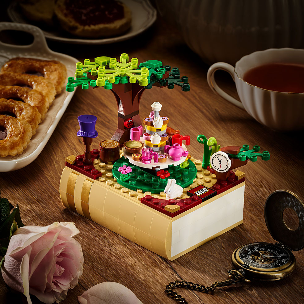 LifTe北欧の暮らし デンマーク レゴ 童話セット ブロックトーバー アリスとおかしなお茶会
